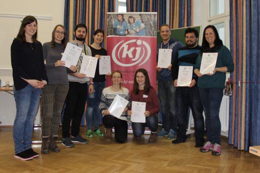 """Den ganzen Beitrag zu Grundkurs """"Orientierungstage leiten"""" – neue Absolvent/innen lesen"""
