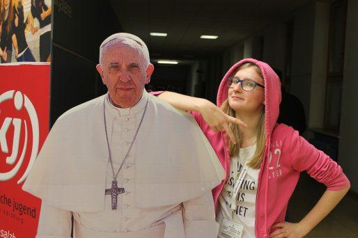 Den ganzen Beitrag zu Papst Franziskus zu Gast im Fotocorner bei der SpiriNight in Salzburg lesen