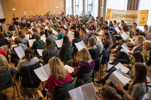 Den ganzen Beitrag zu 330 Sängerinnen und Sänger bei den Jugendchöretagen lesen