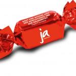 Jugendaktion Schokopraline in roter Verpackung