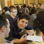 wir.gestalten.arbeit Abschlussveranstaltung im Parlement: Jugenliche diskutieren über faire Arbeit