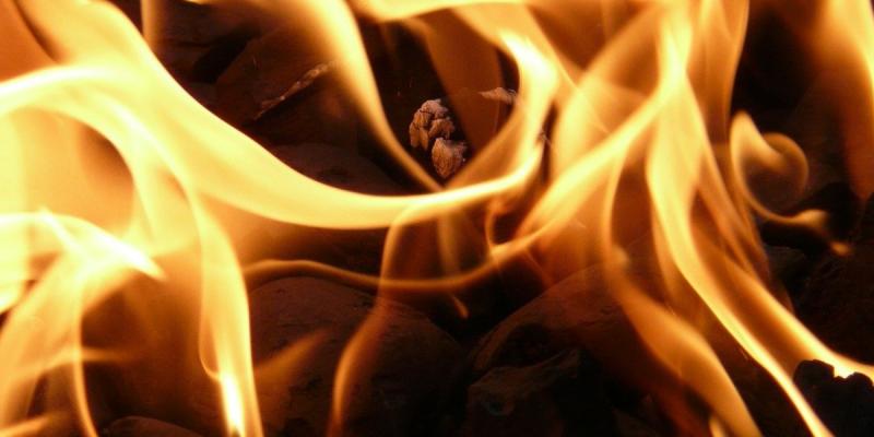 Firmung Feuer Bild (c) pixabay_von Hans